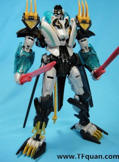【新闻动态】Transformers Go!叁乘合体暗黑擎天柱、黑狮Go Prime新图