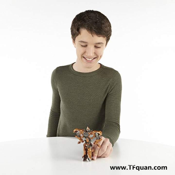【玩具追踪】变四玩具宣传图集之钢索一步变形!