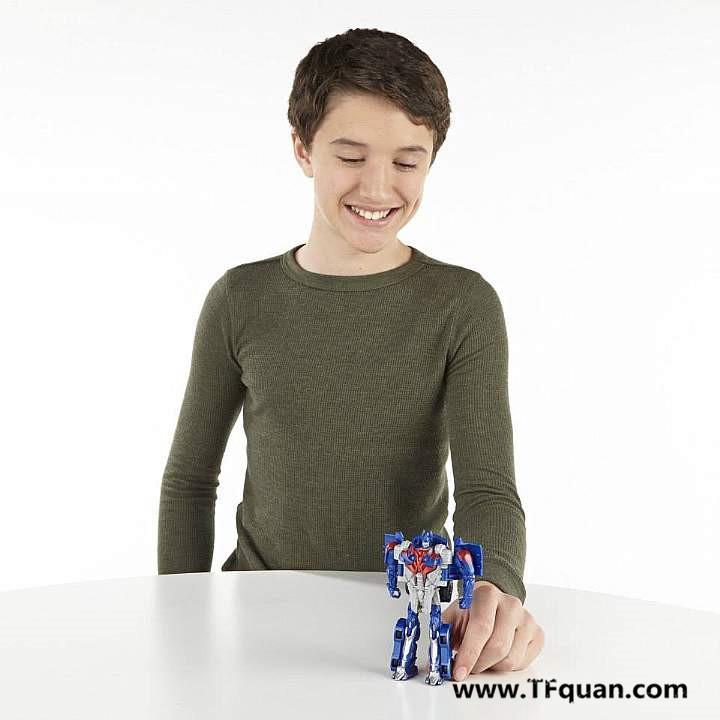 【玩具追踪】变四玩具宣传图集之擎天柱一步变形!