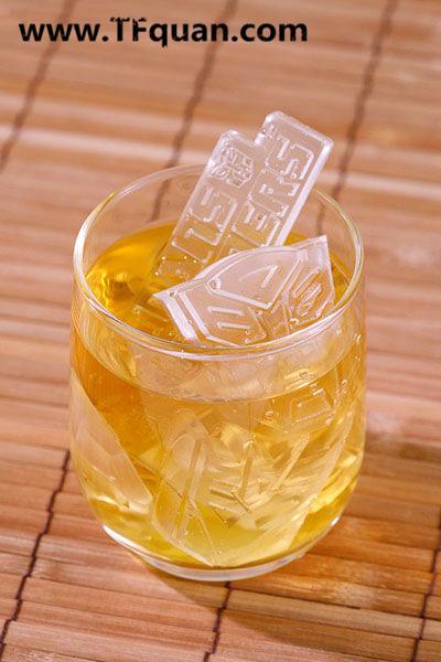 【TF趣谈】有趣的变形金刚冰盒 汽车人霸天虎标志型冰块